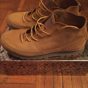 Used North Face Boots 9/10 Condition no Box
